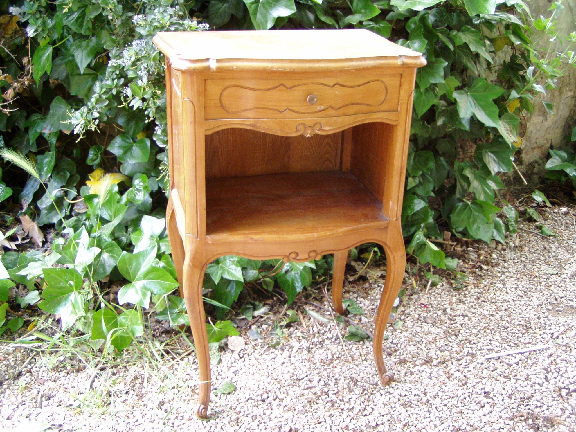 Decoriol d coration maison et jardin archive du blog nouveau look pour table de chevet - Archives du doubs tables decennales ...